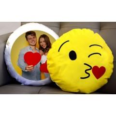Aşk Öpücüğü Emoji Yastık